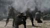 CRIME DE RĂZBOI în estul Ucrainei. Kievul şi rebelii proruşi se acuză reciproc