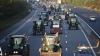 INVAZIE de tractoare în Capitala Franţei. Sute de fermieri au ieşit la un protest masiv