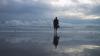 RECORD ABSOLUT! Un monah a mers pe apă peste O SUTĂ de metri (VIDEO)
