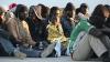 O campanie umanitară, lansată de un scriitor american, a strâns SUTE de MII de dolari pentru refugiaţi