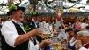 O nouă ediţie Oktoberfest! Cum a avut loc inaugurarea tradiţionalului festival al berii