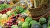 """Fructe şi legume ecologice, expuse de producătorii autohtoni la Târgul """"Toamna de Aur"""" din Orhei"""