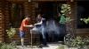 Vremea însorită i-a îmbiat pe unii moldoveni să mai treacă pe la Vadul-lui-Vodă