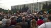 Cum s-a încheiat cearta dintre protestatarii DA şi militanţii pentru unirea cu România (VIDEO)