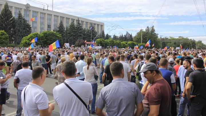 Înaltul Comisar al ONU pentru Drepturile Omului cere autorităţilor de la Chişinău un răspuns la revendicările protestatarilor