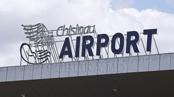 Trei militari ruși au fost reținuți pe Aeroportul Internaţional Chişinău