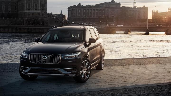 Noul Volvo XC90 stabileşte noi standarde prin distincţia oferită de IIHS (VIDEO)