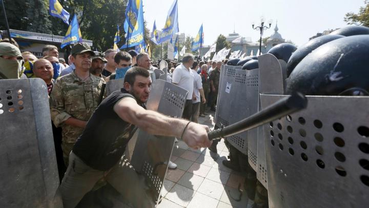 Mitinguri în Ucraina. Mii de persoane au ieşit în stradă pentru a cere autorităţilor măsuri pentru combaterea corupției