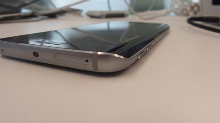 Huawei pregăteşte un smartphone EDGE cu ecran de la Samsung