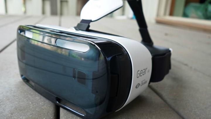 Samsung Gear VR ar putea fi cei mai accesibili ochelari pentru realitate virtuală