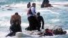 Sute de imigranţi, salvaţi din GHEARELE MORŢII! Riscau să se înece în largul insulei Lesbos