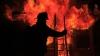 """""""Unii ieşeau cuprinşi de flăcări"""". Un jurnalist spune cum a supravieţuit în tragedia de la Bucureşti"""