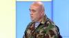 Un ofiţer în rezervă aduce scuze poliţiştilor atacaţi de protestatarii DA (VIDEO)