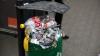 """""""Mă scăpam!"""" Pe lângă mormanele de gunoi lăsate, petrecăreţii şi-au făcut nevoile chiar în centrul Capitalei"""