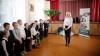 """Bucurie mare la Cristeşti! Elevii gimnaziului din localitate au primit cadouri de la Fundaţia """"Edelweiss"""""""