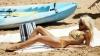 TOPUL cele mai memorabile apariţii pe plajă din toate timpurile a femeilor celebre (VIDEO)