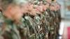 Rişti să fii PEDEPSIT dacă porţi uniformă militară! Iniţiativa deputaţilor liberali