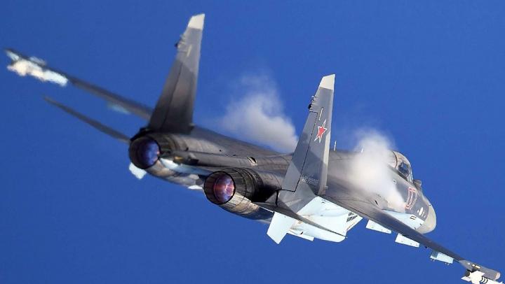 Raidurile ruse în Siria: Avioanele ar fi anihilat lideri importanţi din Statul Islamic