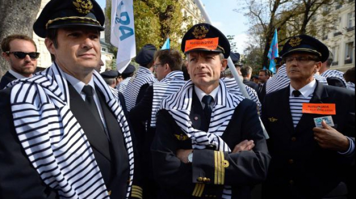 Probleme la Air France. Angajaţii au capturat oficiul central