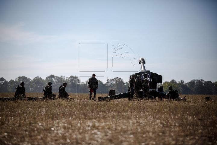FOC ȘI PARĂ la Bulboaca. Poligonul s-a transformat într-un adevărat câmp de luptă (FOTOREPORT)