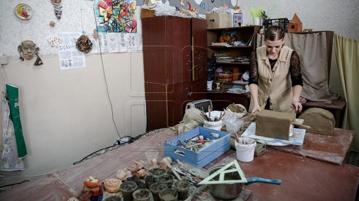 GALERIE FOTO IMPRESIONANTĂ cu opere de artă realizate de o tânără din Capitală