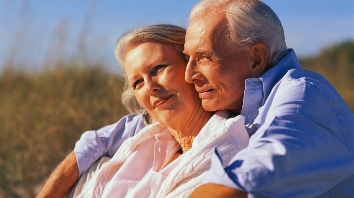 CURIOS! Inimile bărbaţilor şi femeilor îmbătrânesc diferit