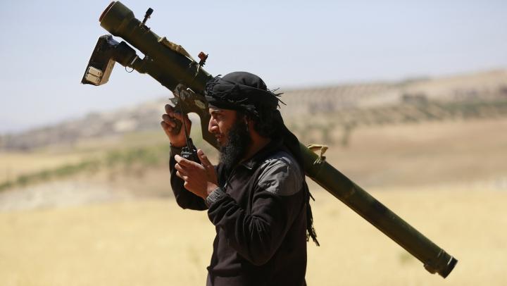 Un lider al filialei siriene a Al-Qaida şi alţi doi terorişti, UCIŞI în urma unui raid aerian