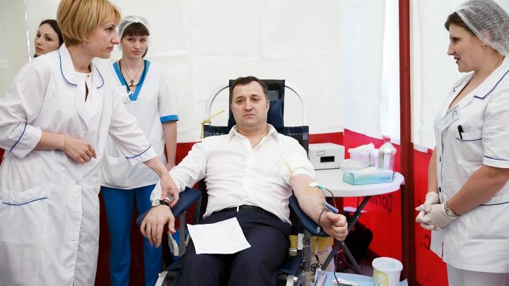 Vlad Filat, consultat de medici în izolatorul CNA? Declaraţiile avocatului şi ale CNA