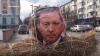 NO COMMENT: Un grup de ruşi A DAT FOC portretului preşedintelui Turciei (VIDEO)