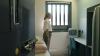 VIAŢA RUŞINOASĂ a unei femei-gardian la un izolator de detenţie. Ce ilegalităţi făcea în timpul liber