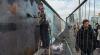 Zidul care îi despărţea, pe cale de dispariţie. Nemţii îşi prezervează Zidul din Berlin