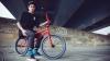 Biciclistul Kriss Kyle a devenit vedetă după ce a reuşit câteva trucuri de excepţie (VIDEO)