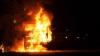 Pompierii, în alertă. Un autocamion încărcat cu motorină a luat foc la Ialoveni (VIDEO)