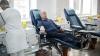 ZECI DE PERSOANE aşteaptă să doneze sânge la Chişinău pentru victimele tragediei de la Bucureşti