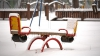 Ninge abundent la Bălţi. Stratul de zăpadă, bucurie pentru copii şi năpastă pentru şoferi (VIDEO)