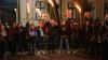 """Lumină pentru Timofti! """"Tinerii Moldovei"""" au mărşăluit cu făclii în faţa Reşedinţei de Stat (FOTO)"""