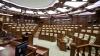 Şefii de partide şi liderii fracţiunilor se convoacă în şedinţă. Impactul subiectelor abordate