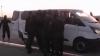"""NO COMMENT! Momentul în care interlopul """"Kitaeţ"""" este luat de mascaţi de la Aeroportul Chişinău (VIDEO)"""