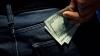 Atenţie, bani falşi! Ce a păţit un bărbat la o casă de schimb valutar