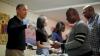 Familia Obama a început Ziua Recunoştinţei alături de boschetari şi veterani (VIDEO)