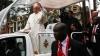 Papa Francisc îşi încheie turneul în Africa. Suveranul Pontif a mers într-o zonă extrem de periculoasă