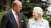 Regina Elisabeta a II-a şi prinţul Philip sărbătoresc împlinirea a 71 de ani de căsătorie