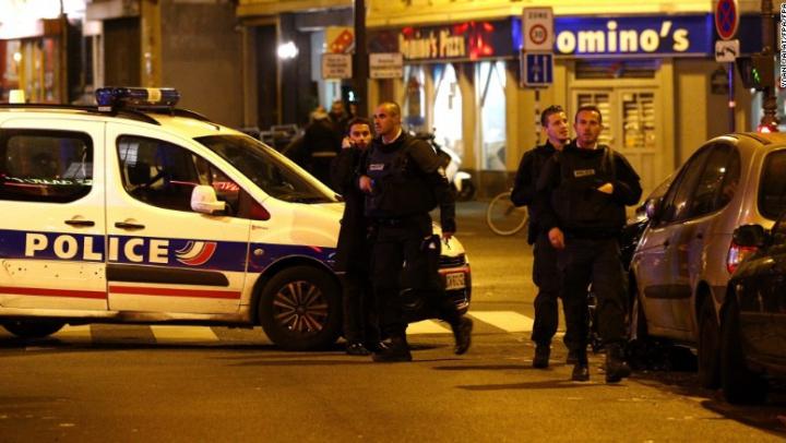 TEROARE la Paris! Franța va duce o luptă nemiloasă împotriva terorismului