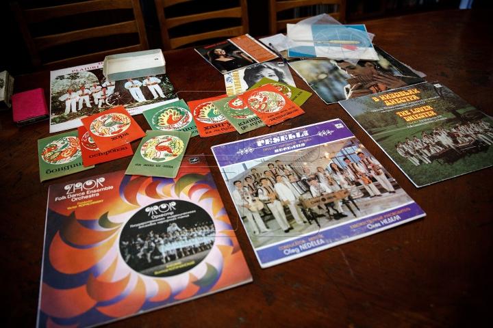 Beatles, Maria Tănase sau Sofia Rotaru. Cum arată cea mai mare colecție de discuri de vinil din Moldova (FOTO)