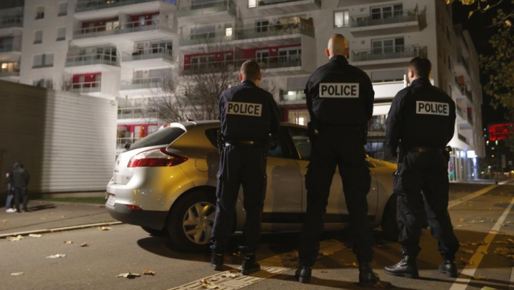 Autorităţile franceze cer ajutorul în identificarea celui de-al nouălea terorist implicat în atacurile de la Paris