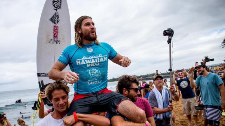 Wade Carmichael, evoluţie de senzaţie la competiţia de surfing Triple Crown din Hawaii