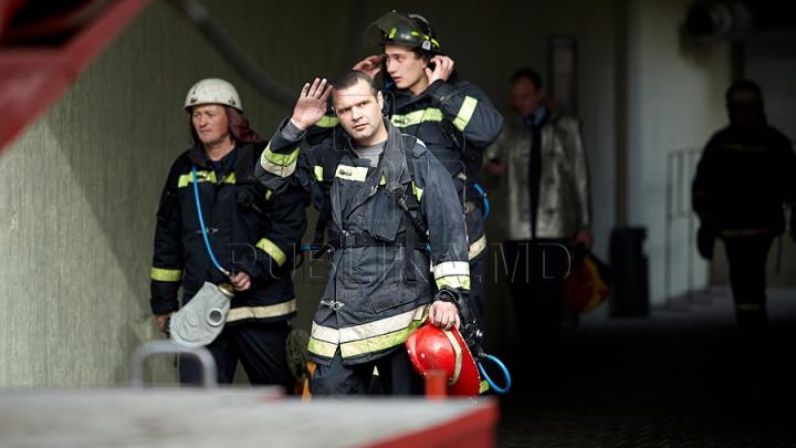 Chirtoacă: Şase cluburi din Chişinău au fost ÎNCHISE. Descoperirea alarmantă a pompierilor