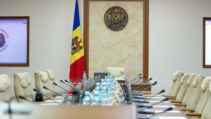 O nouă rundă de consultări în vederea desemnării unui candidat pentru funcţia de prim-ministru