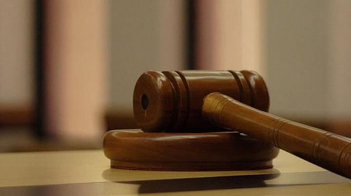 Ofițer de urmărire penală, ajuns pe banca acuzaților. Ce a făcut în casa unui bărbat
