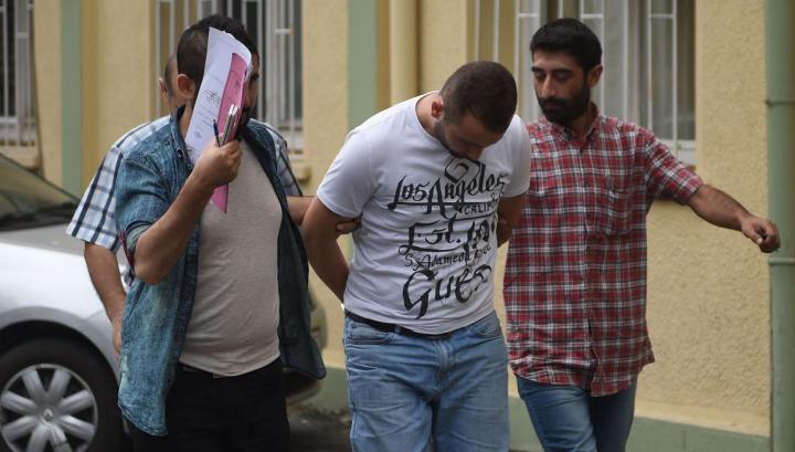 Nouă presupuşi membri ai SI, reţinuţi în Turcia! Ce acţiuni îngrozitoare pregăteau